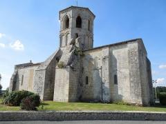 Eglise Saint-Vivien - English: Rouffignac, Église Saint-Christophe, seen from the southeast
