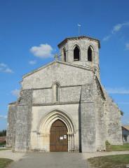 Eglise Saint-Vivien - English: Rouffignac, church Saint-Christophe, western facade
