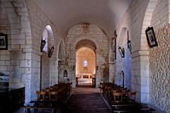Eglise Saint-Brice - Deutsch: Saint-Bris-de-Bois, Schiff, vom Eingang zum Chor, Bruchstein des Ursprungsbauwerks