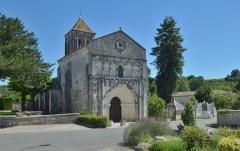 Eglise Saint-Cézaire - Français:   Église Saint-Césaire  a Saint-Césaire en France