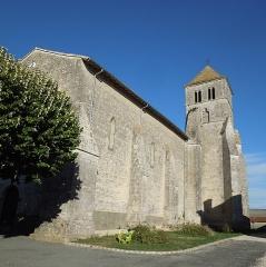 Eglise Saint-Cyr - English: Église Saint-Cyr in Saint-Ciers-Champagne