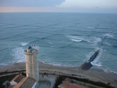 Vieux Phare des Baleines et phare des Baleineaux - English:   Cross swell. Photo taken from Phares des Baleines (Lighthouse of the Whales) on Île de Ré.