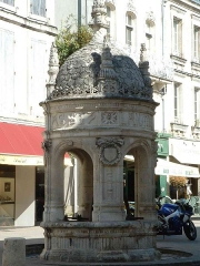 Fontaine du Pilori - English:
