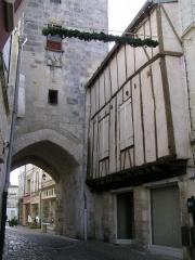 Tour de l'Horloge -  tour de l'horloge de Saint-Jean-d'Angély