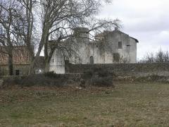 Château - Français:   Château de Saint Jean d\'Angle, château fort médiéval du XIIe au XVIIe siècles (Charente-Maritime - France).