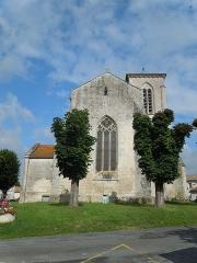 Eglise Sainte-Lheurine - English:   The church in Sainte-Lheurine, seen from the East
