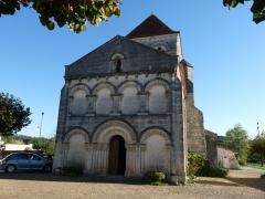 Eglise Saint-Martin - Français:   Eglise de Saint-Martin-de-Coux, Charente-Maritime, France