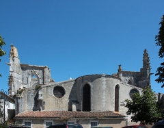 Eglise Saint-Martin dite Le Grand Fort - Français:   Chevet de l\'église Saint-Martin, Fr-17-Saint-Martin-de-Ré.