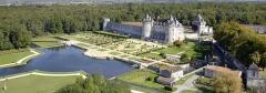 Château de la Rochecourbon - Français:   Château et jardins de La Roche Courbon en Charente Maritime (17)
