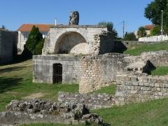 Thermes de Saint-Saloine - Français:   Thermes romains de St-Saloine, Saintes, Charente-Maritime, France