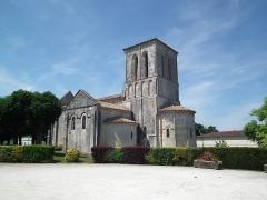 Eglise Saint-Saturnin -  L'église romane de Tanzac