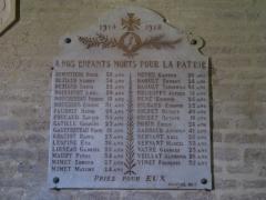 Eglise Saint-Vivien -  Hommage aux morts dans l'église Saint-Vivien.