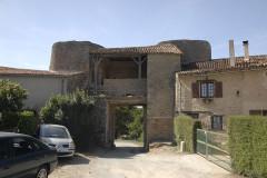 Château - Deutsch:   Château-Larcher, Hauptportal Castrum, Innenseite