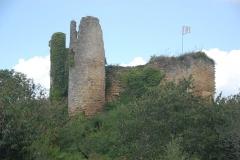 Château - Deutsch:   Château-Larcher, Burgruine von O
