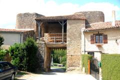 Château - Deutsch:   Château-Larcher, Wehrportal von innen