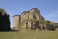 Eglise Notre-Dame - Deutsch:   Château-Larcher, Kirche u. Wehrturm von SO