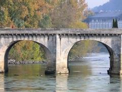 Pont Henri IV - Français:   Châtellerault - Pont Henri IV - Deux travées et les cornes de vache