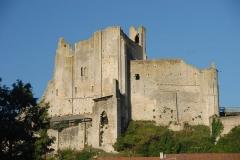 Château baronial ou des Evêques de Poitiers - Deutsch: Chât.Baronnial, Talseite
