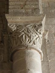 Eglise Notre-Dame - Français:   Chapiteau de l\'église Notre-Dame de Chauvigny (86).