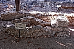 Terrain de fouilles archéologiques - Deutsch: Civaux, Baptisterium im Sanktuarium