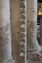 Eglise Notre-Dame-et-Saint-Junien - Deutsch: Kirche Notre-Dame-et-Saint-Junien in Lusignan im Département Vienne (Nouvelle-Aquitaine/Frankreich), Säule