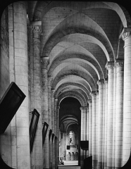 Eglise Saint-Jean de Montierneuf -  Church of Montierneuf, Poitiers, France, 1903. [Montierneuf. Poitiers; interior view]. Brooklyn Museum Archives, Goodyear Archival Collection (S03_06_01_003 image 907). Help us map this image by using Suggestify to suggest a location for it.