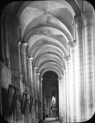 Eglise Saint-Jean de Montierneuf -  Church of Montierneuf, Poitiers, France, 1903. [Montierneuf. Poitiers right aisle]. Brooklyn Museum Archives, Goodyear Archival Collection (S03_06_01_003 image 908). Help us map this image by using Suggestify to suggest a location for it.