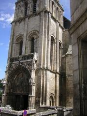 Eglise Sainte-Radegonde -  Poitiers: Sainte-Radegonde.