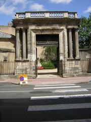Musée Rupert de Chièvres -  Poitiers: Puerta del Musée des Chièvres, originalmente casa de Rupert de Chièvres.
