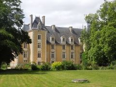 Château - English: Chateau St. Julien from the East (17 July 2012)