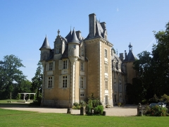 Château - English: Chateau St. Julien, view from southeast (17 July 2012)
