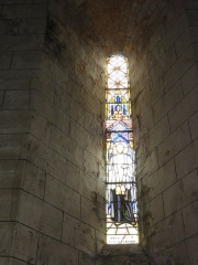 Eglise Saint-Sylvain - English: Église Saint-Romain de Saint-Sauvant, vitrail 1