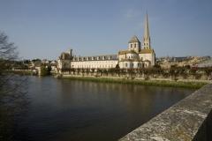 Ancienne abbaye - English: Eglise; Saint-Savin-sur-Gartempe; Poitou-Charentes, Vienne, France; ref: PM_012297_F_Saint_Savin_sur_Gartempe; L'église,;; Photographer: Paul M.R. Maeyaert; www.pmrmaeyaert.eu, © Paul M.R. Maeyaert; pmrmaeyaert@gmail.com; Cultural heritage; Cultural heritage/Romanesque; Europe/France/Saint-Savin-sur-Gartempe