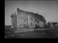 Manoir de Champdoiseau - Français:   Photographie sur plaque de verre - Archives départementales de la Vienne - Vraisemblablement Fin XIX - début XX siècles