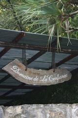 Domaine de la Confiance ou domaine Carrère - Français:   Panneau à l\'entrée du domaine de la Confiance, à Saint-Benoît de La Réunion.