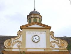 Hôtel de ville - Français:   Saint-Pierre (La Réunion) - Hôtel de ville - Fronton