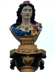 Mairie - English: Détail du buste de Marianne de la colonne républicaine de Pointe-Noire, Guadeloupe