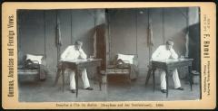 """Maison de Dreyfus, sur l'île du Diable - Deutsch: Stereoskopie im Alleinvertrieb von F. Hamel zweisprachig untertitelt  """"([Alfred] Dreyfuss auf der Teufelsinsel). 1898"""""""