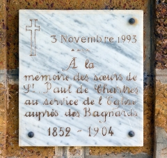 Chapelle de l'île Royale - English: Plaque on the right side of the entrance of the chapel of the former convict prison on the île Royale in French Guiana.