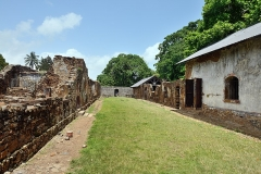 Iles du Salut - îles Royale, Saint-Joseph et du Diable - English: Ile Royale, French Guiana: ruins of the convict prison.