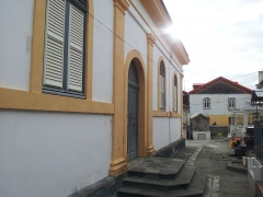 Église paroissiale Saint-Jacques - Français:   Côté gauche de l\'église St jacques au Carbet (Martinique)