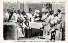 Asile Bethléem - Français:   Repas servi par les sœurs de la congrégation de St Paul de Chartres aux vieillards de l\'asile Bethléem à Saint-Pierre de la Martinique (avant 1874).