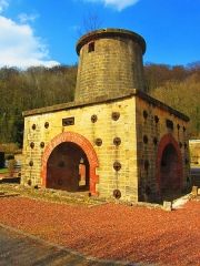 Haut-fourneau - English: Cons Grandville blast furnace 1865