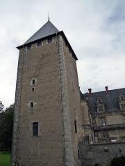 Château de Fléville - English: Corner tower of the château de Fléville