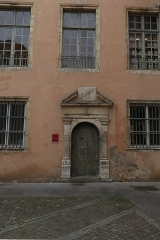Immeuble - Français:   Porte de l\'hôtel de Lenoncourt à Nancy.