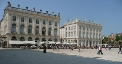 Immeuble, dit aussi hôtel Jacquet - English: North side of Place Stanislas at Nancy, Buildings by Emanuel Héré, 1752-55 (right Building today Musée des Beaux-Arts)