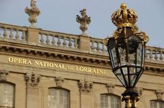 Opéra - théâtre - Façade de l'opéra et lampadaire de la Place Stanislas