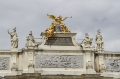 Place Stanislas - English: Arch in the Lorraine Castle area at Rue Here, Stanislas Square. Nancy, France