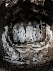 Eglise Saint-Martin - Mise au tombeau du début XVe, sise à l'église Saint-Martin de Pont-à-Mousson. Elle a exercé une large influence sur les mises au tombeau ultérieures, dont le