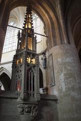 Eglise Notre-Dame - Basilique Notre-Dame d'Avioth, France. Déambulatoire